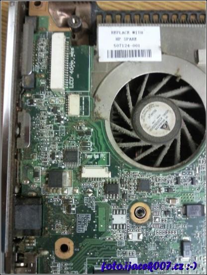 ventilýtor chlazení a prach na základní desce