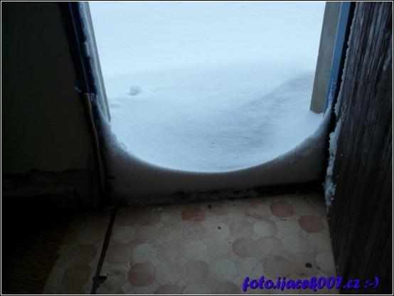 když zima tak pořádná když sníh tak po dveře.