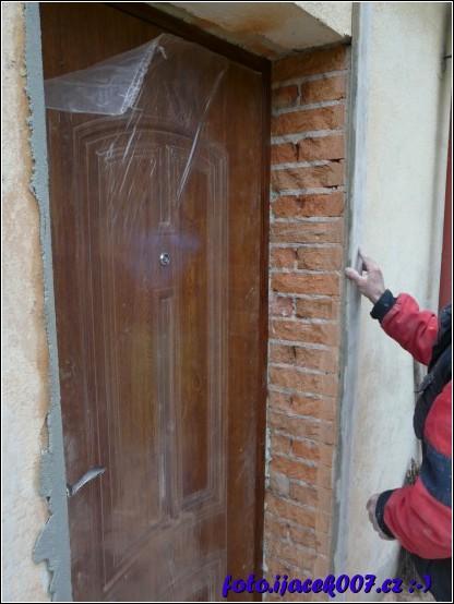 nezaomítnutá část dveří
