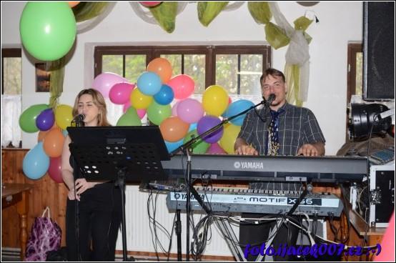 výběr živé kapely na naši svatbu byl jeden z nejpříjemnějších překvapení