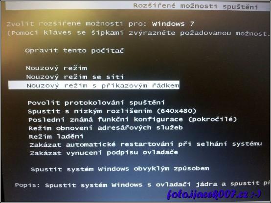 rozšířené možnosti spouštění systému Windows s volbou spuštění nouzového režimu.