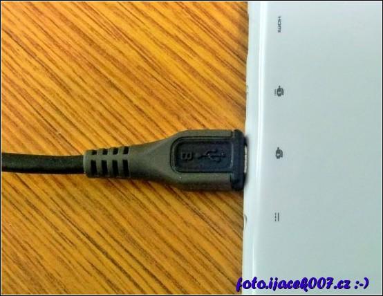 připojení k USB konektrou