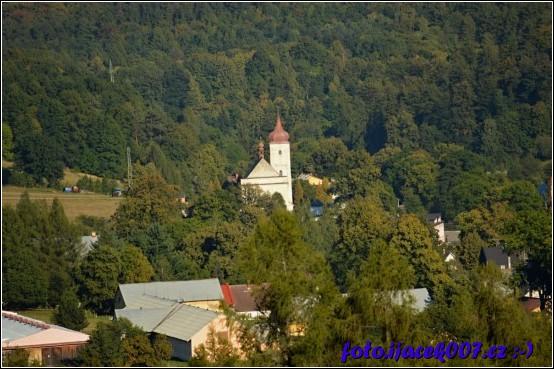 pohled na kostel a jeho věž před rekonstrukcí