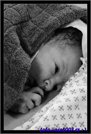 první fotografie ještě na porodním sále
