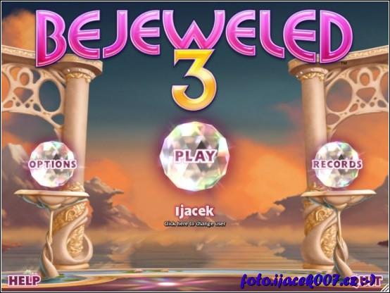 takto vypadá hlavní menu hry uprostřed je vidět jméno hráče.