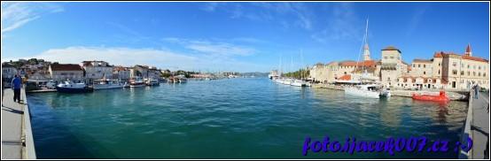 panoramatická fotka z mostu spojující Trogir s ostrovem Čiovo