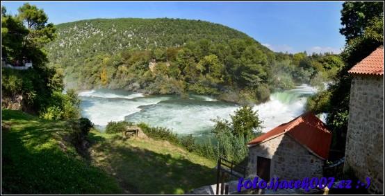 pohled na jeden z vodopádu