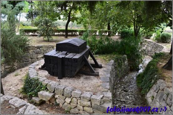 v biblické zahradě lze spatřit i archu