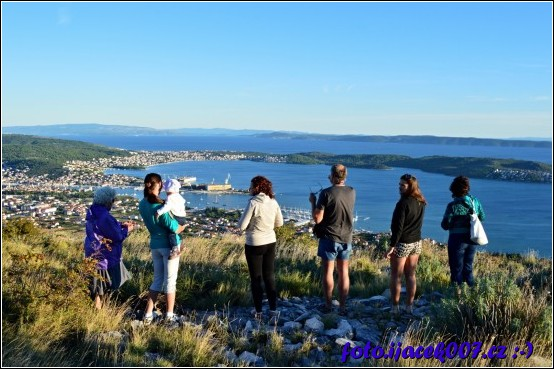 rodiná fotografie pohledu na Čiovo a Trogir