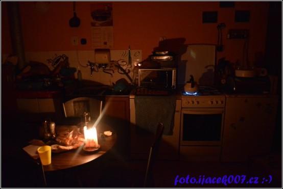 obrázek kuchyň bez proudu