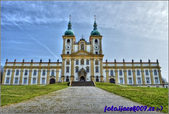 Pohled na baziliku panny marie