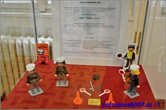 igraček není jen hasič či kuchař ale také policista