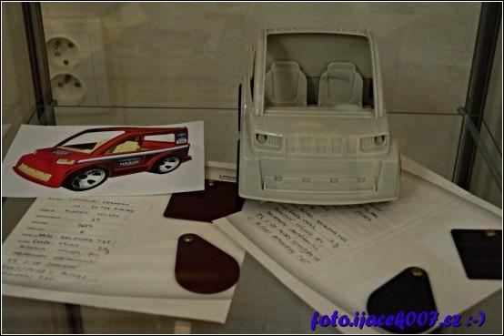 ukázka výroby auta pro postavičky