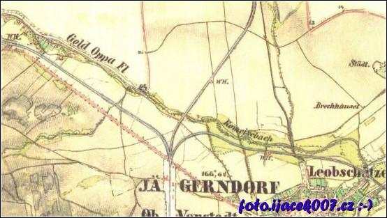 z pohledu na historickou mapu je vidět kudy vedla trať na polsko