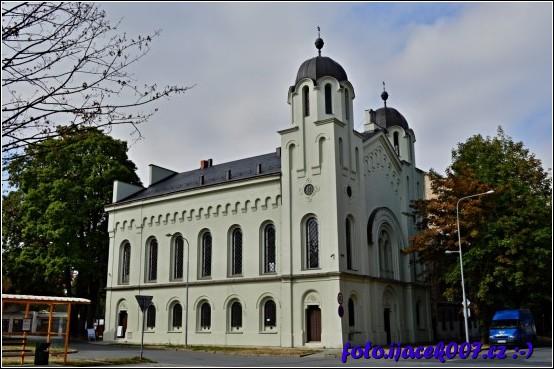 pohled na krnovskou synagogu