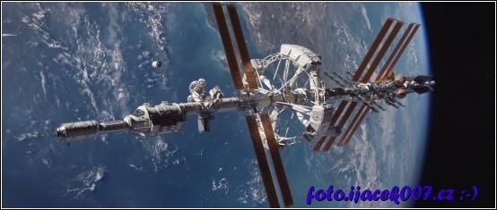 Touto lodí se ve filmu Marťan astronaute dostávaly k Marzu.