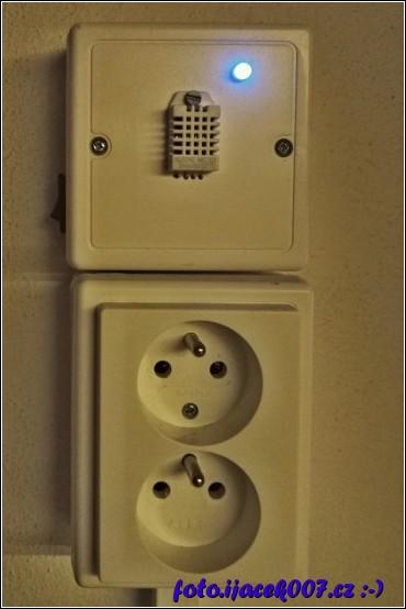 pohled na hotový modu s vypínačem a kontrolkou