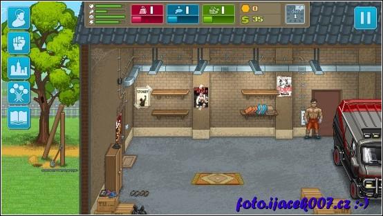 pohled na prázdnou garáž ze startu hry.