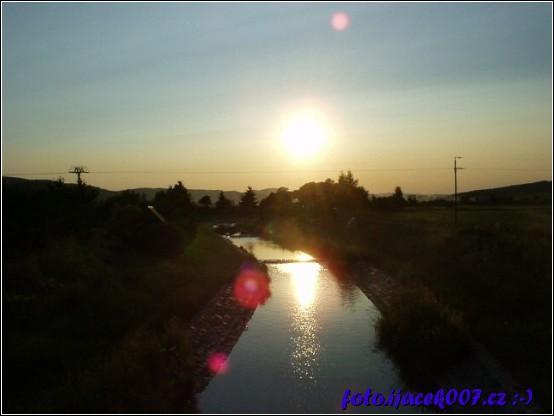 západ slunce z již neexistujícího mostu