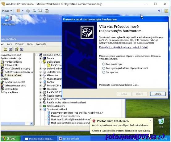 takto vypadá windows XP bez přidání nástrojů VMware