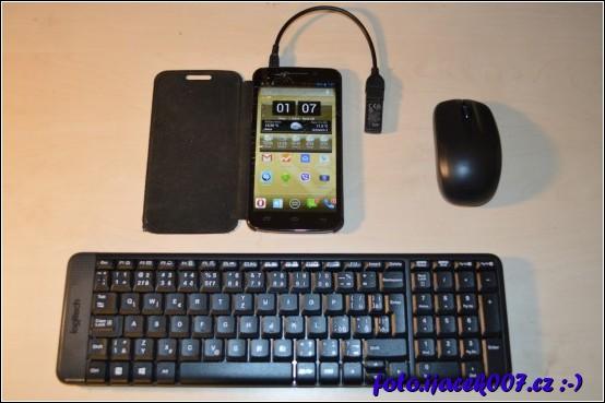 připojení bezdrátové klávesnice a myši.