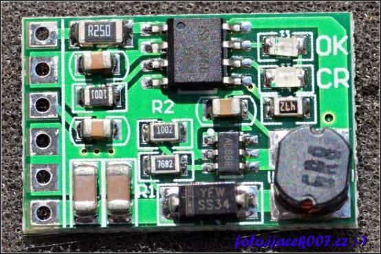 malý UPS modul pro 3,7V baterii z výstupem na 5V se vstupem 4-8V