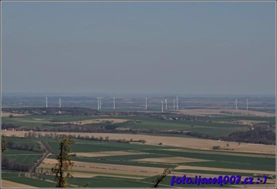 Pohled do polska z rozhledny Ježník