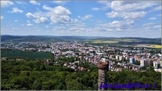 Pohled z dorna na město Krnov.