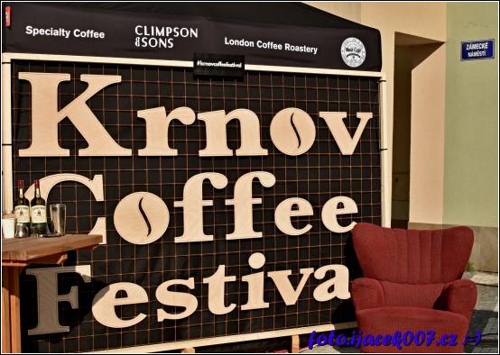 Pohled na fotokoutek festivalu kávy.