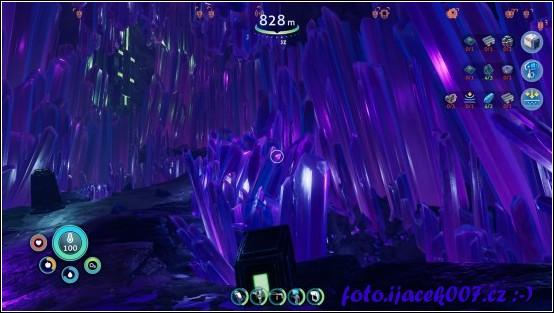 pohled do jedné z mnoha jeskyn a části hry
