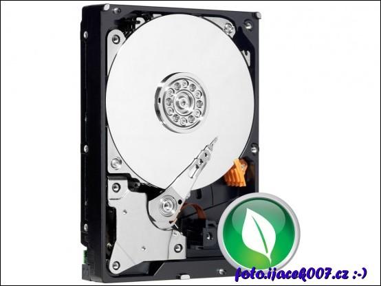 Pevný disk Green ( zelený tedy energeticky úsporný).