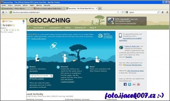 Webová stránka Geocachngu a rozšíření Gctour v levé části stránky.